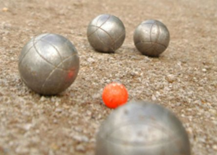 petanque class in Provence