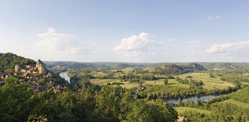 Castelnaud castle and the Dordogne river